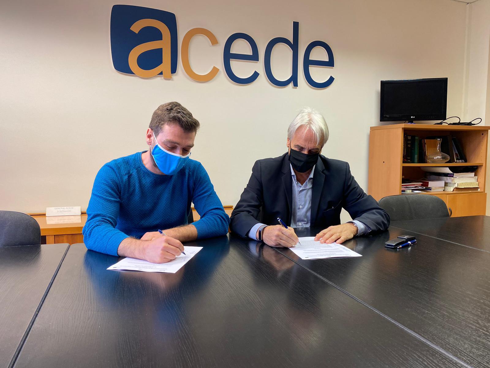 Coach Consulting i ACEDE signen un acord col·laboratiu per a desenvolupar el projecte MILE